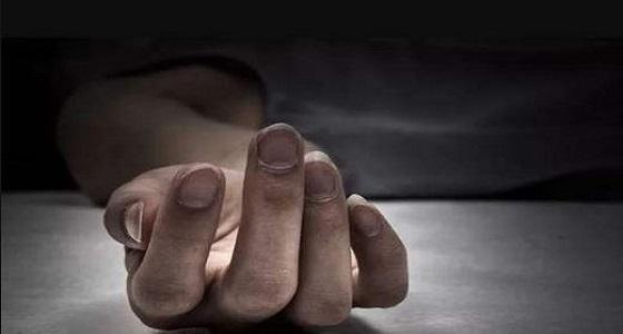 خوفا من فضح أمره..أب يقتل ابنته بعد تصويره أثناء معاشرته لها!