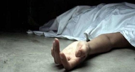 العثور على جثة شخص متوفَّى بمنزله في ظروف غامضة