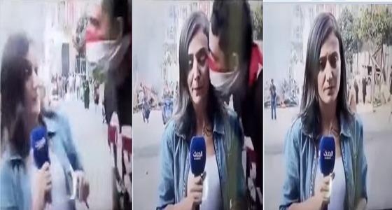 بالفيديو.. متظاهر لبناني يُقبل مراسلة «الحدث» على الهواء!