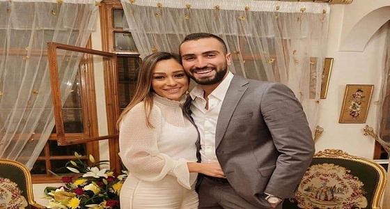 بعد سارة الطباخ.. محمد الشرنوبي يخطب مديرة أعمال أنغام ! (صور)