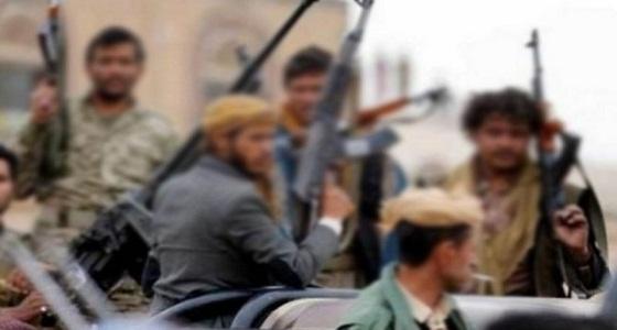مليشيا الحوثي الإرهابية تنهب قافلة إمداد تابعة للصليب الأحمر في الحديدة
