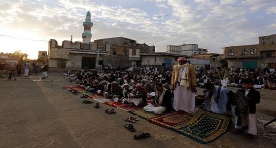مليشيا الحوثي تفرض رسومًا مالية لدخول المساجد