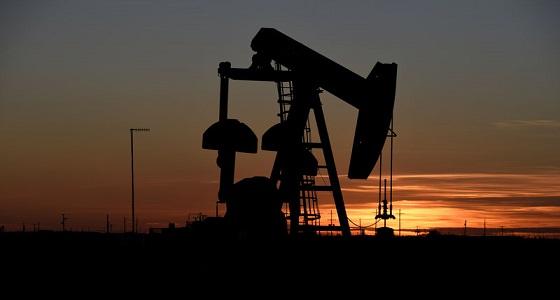 النفط يرتفع مع سعي المملكة لزيادة تخفيضات الإنتاج