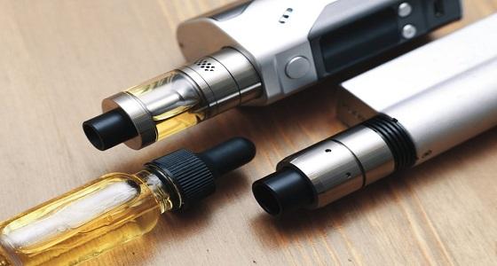 السجائر الإلكترونية تتسبب في إصابة نادرة بالرئة