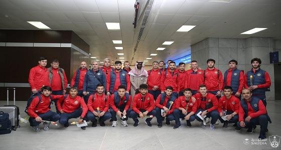 وصول بعثة استقلال دوشنبه الطاجاكستاني إلى جدة لمواجهة الأهلي في دوري الأبطال (صور)
