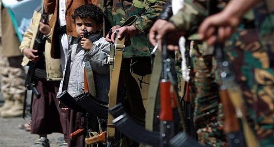 بالفيديو.. الحوثي يحتجز الأطفال بتهم «قصات الشعر»