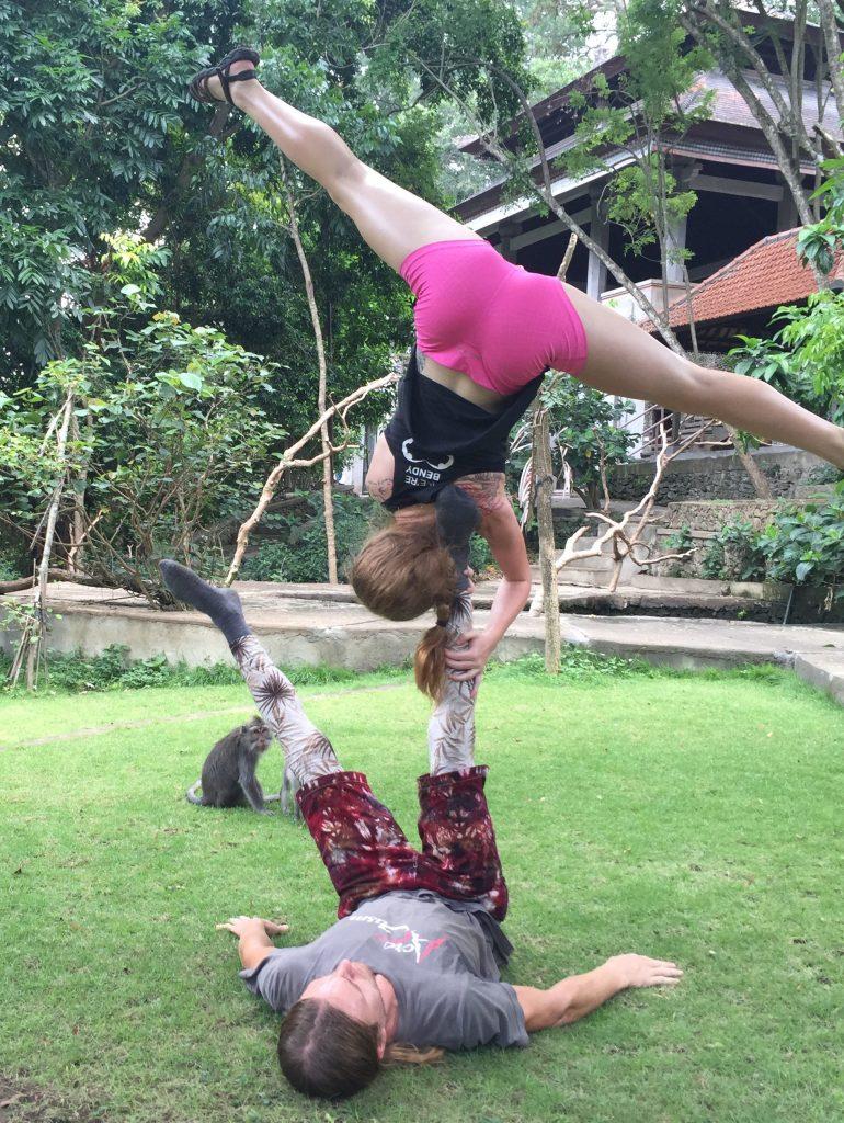 acroyoga ubud monkey forest ubud bali buddy thomas slackrobats lindsikay