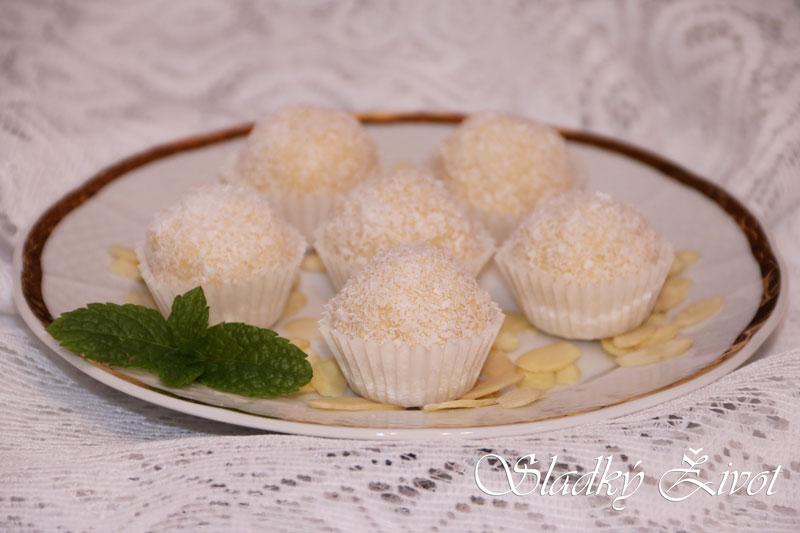 nepečené koláčiky, kokosové rafaelo guľky