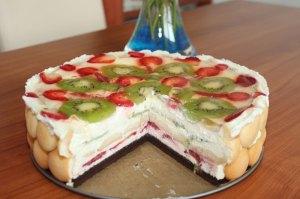 Miláčiková torta, nepečená torta, ovocná, smotanová, tvarohová, šľahačková torta, jahodová torta, rýchla, piškótová torta