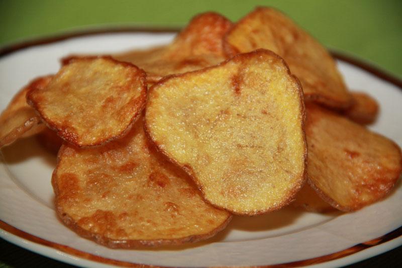 Chipsy, smažené zemiaky, smažené zemiakové lupienky, domáce chipsy