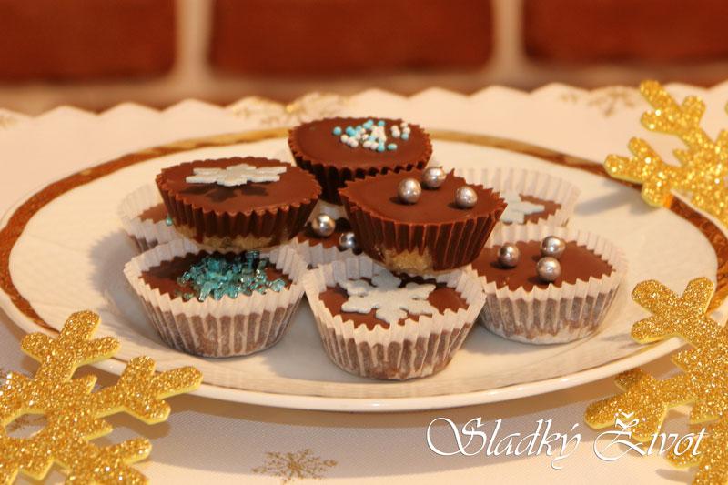 Orechové košíčky . nepečené cukrovinky, vianočné koláče