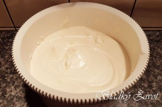 Gaštanová roláda, sladký život, recepty, koláče, torty, plnky do koláčov,
