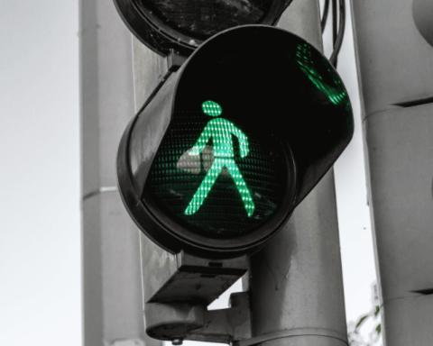 Crossing Light