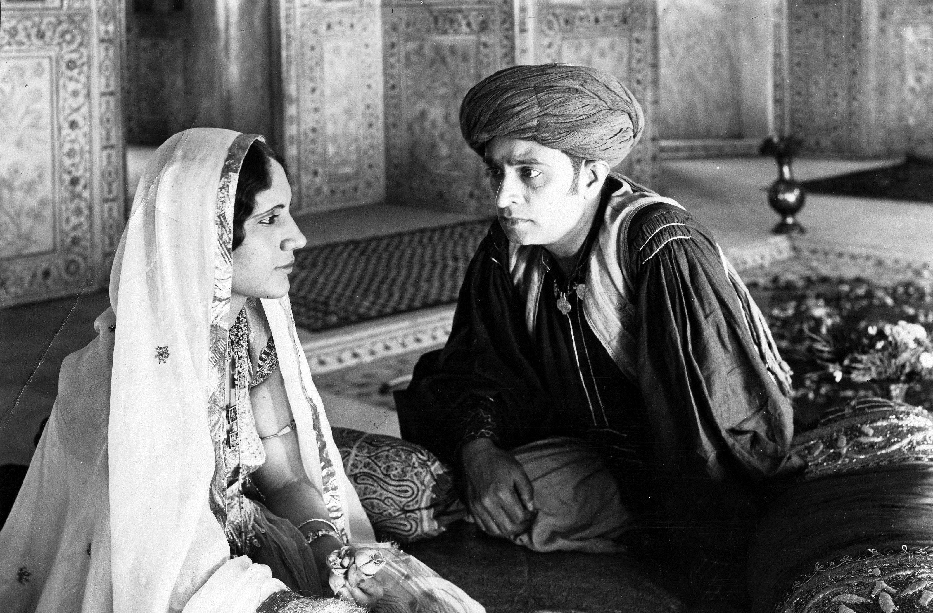 Shiraz A Romance Of India