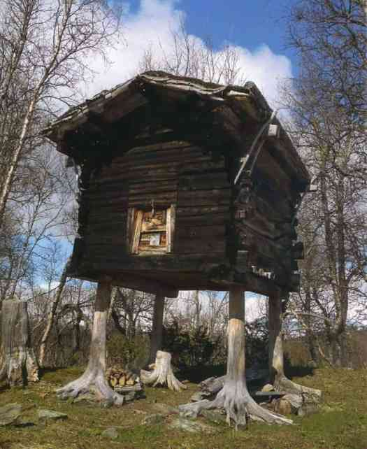 One of the oldest buildings in Hattfjelldal (a municipality in Nordland, Norway). Photo credit: Elin Kristina Jåma.
