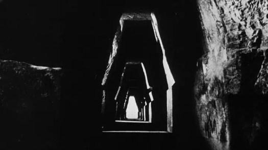 LA JETÉE Jean-César Chiabaut, Chris Marker 1962 corridor