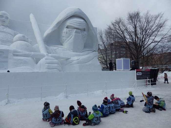 002_Kylo_Ren_Snow_Sculpture_3x4