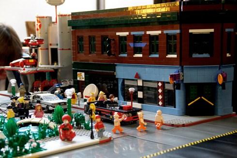 Back to the Future II Lego 12