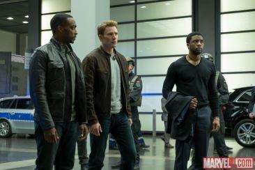 Captain America Civil War - Falcon, Cap, Black Panther
