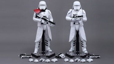 First Order Stormtroopers (2)