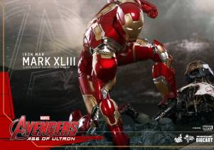 HT Avengers Age of Ultron Iron Man Armor 1