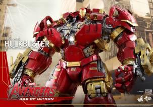 Hot Toys Avengers Hulkbuster 18