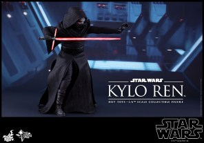 Hot Toys - Star Wars - The Force Awakens - Kylo Ren Collectible Figure_PR6