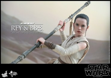 Hot Toys - Star Wars - The Force Awakens - Rey & BB-8 Collectible Set_PR16