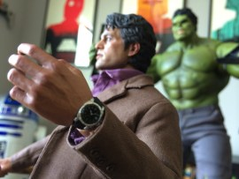 Hot Toys Bruce Banner watch