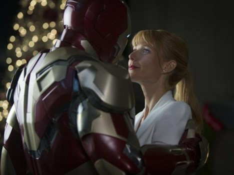 Iron Man 3 Official Embrace