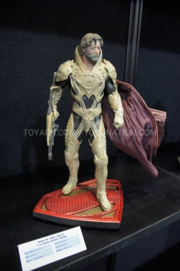 Man of Steel - Jor El figure (1)