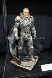 Man of Steel - Zod figure (2)