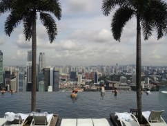 Marina-Bay-Sands-Infinity-Pool-3x4-by-Joshua-Meyer