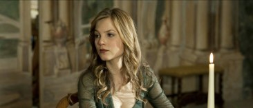 Sylvia Hoeks in The Best Offer