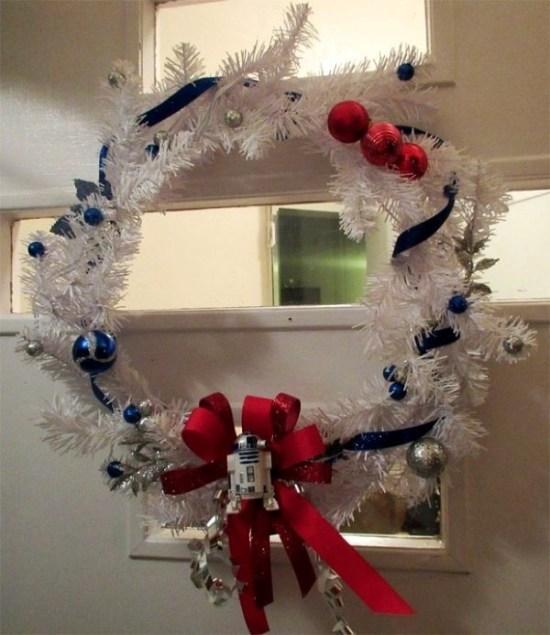 R2-D2 Christmas Wreath