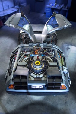 bttf-delorean-petersen3
