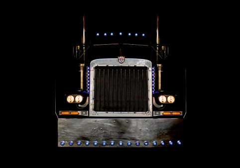 optimusprime-auctionphoto1