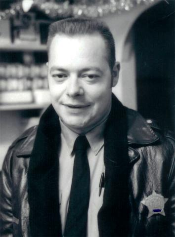 Chicago police officer Jack Sherwin in uniform in December 1969, a few years before he met Linda Taylor.