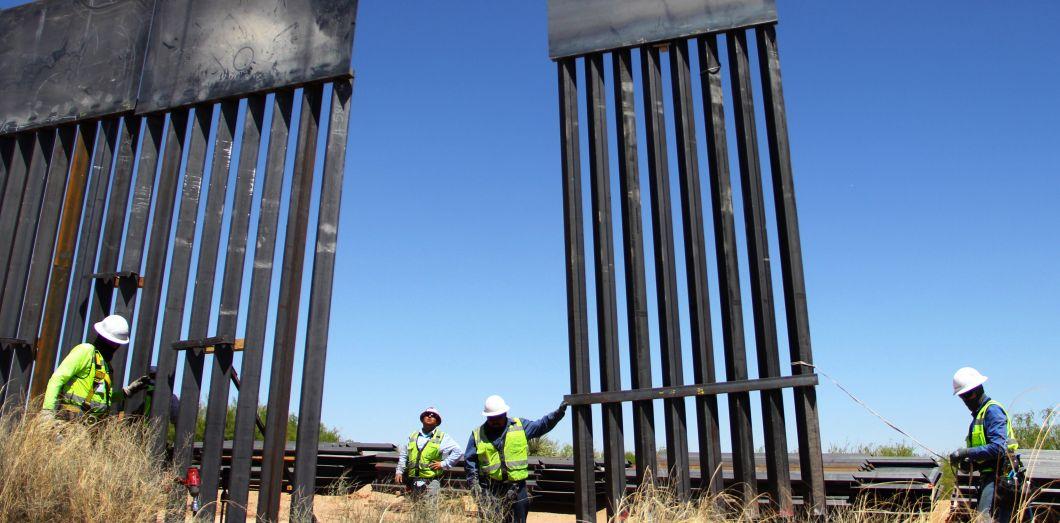 La barrière doit s'étendre sur près de 160 kilomètres en Arizona. | Herika Martinez / AFP