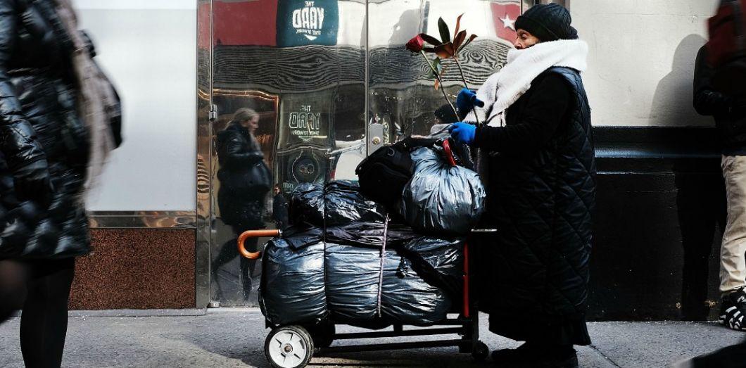 Une personne SDF à New York en décembre 2017. | Spencer Platt / AFP
