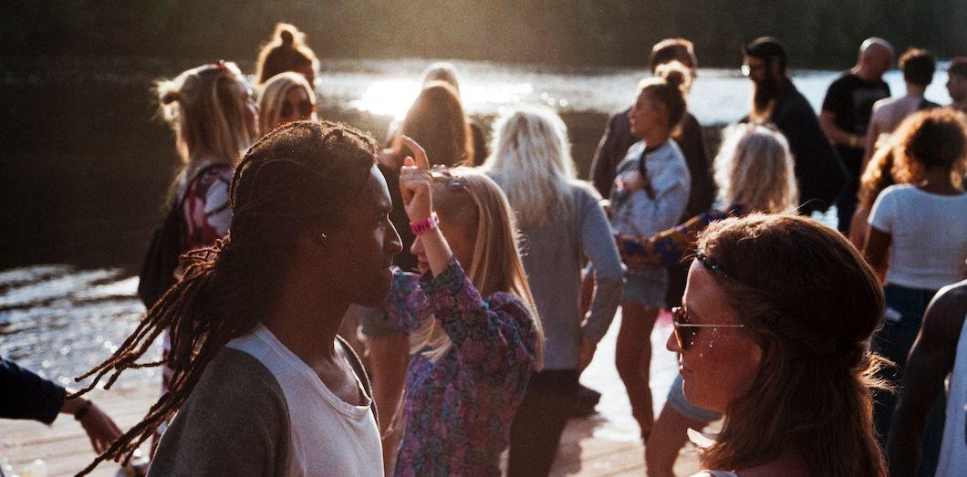 Les résultats des recherches d'une équipe de neurologues concordent avec le sentiment grandissant parmi les jeunes générations d'un âge adulte inatteignable. | Jens Johnsson via Unsplash