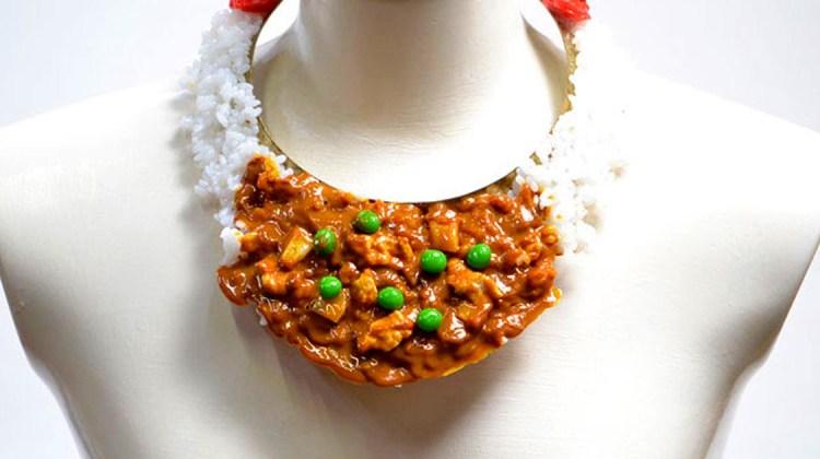 Fake Food Accessoires Hatanaka Fleischkette Schmuck aus Essen