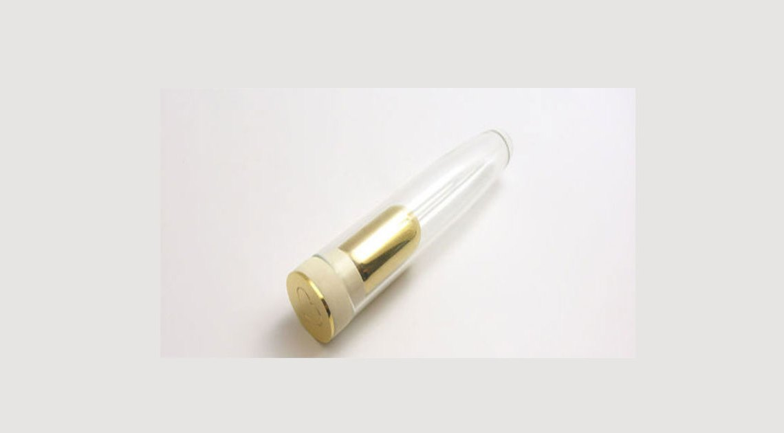 Glas-Dildo als Urne