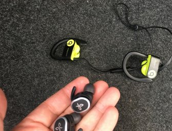 [Review] Jaybird RUN vs Powerbeats 3