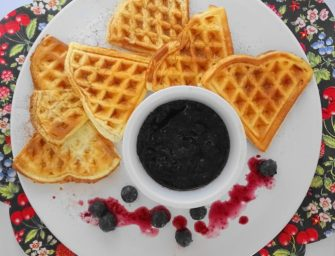 [Recipe] Wafers (wheyfers) with stewed blueberries