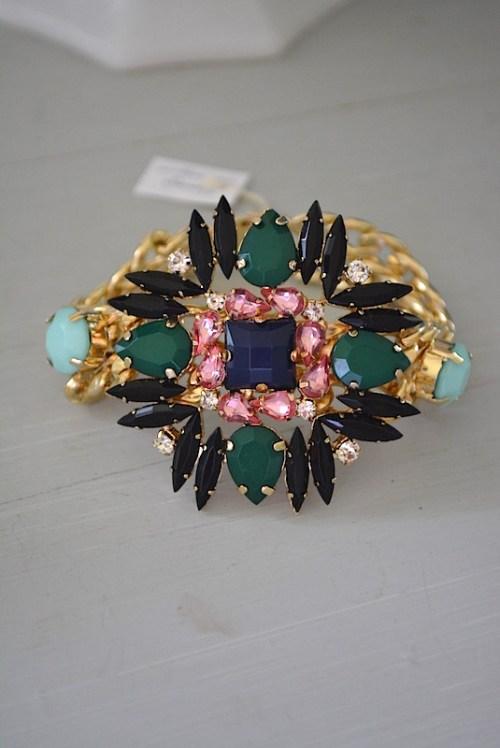 Black and Dark Green Bracelet, Medallion Bracelet