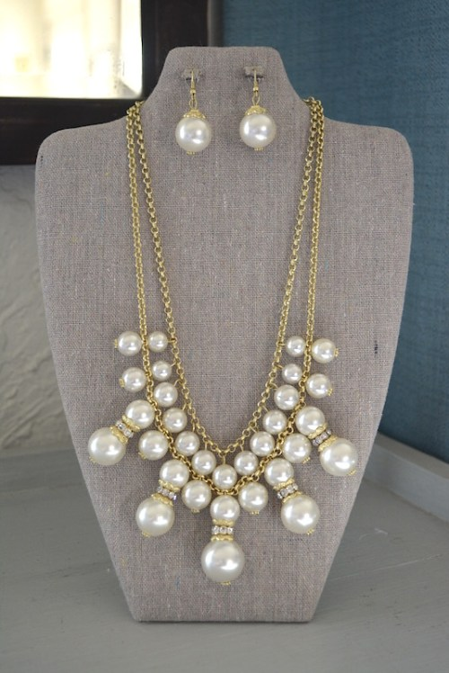 Pearl Bib Necklace Set, Bib Necklace, Pearl Necklace and Earrings, Pearl Jewelry, Necklace and Earrings, Goddess Jewelry