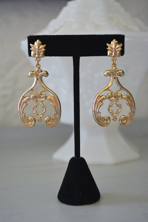Gold Scroll Earrings, Scrolls Earrings,Gold Earrings, Scroll Earrings, Scrolling Earrings, Jacobean Earrings,Gold Drop Earrings