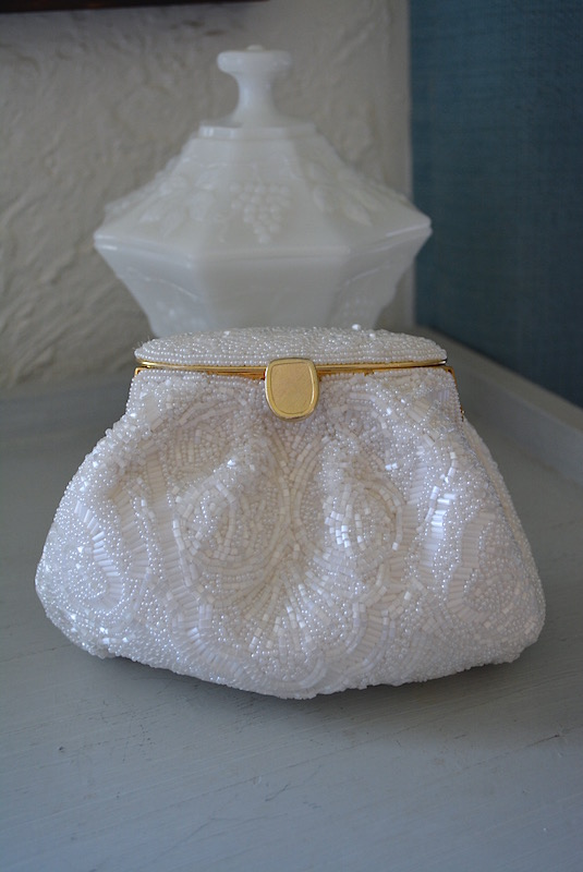 Frosted White Beaded Purse, Opalescent Purse, Pearlized Purse,Vintage Pearl Purse, White Purse, White Beaded Purse,Bride, Bridal Wear,Bridal Purse