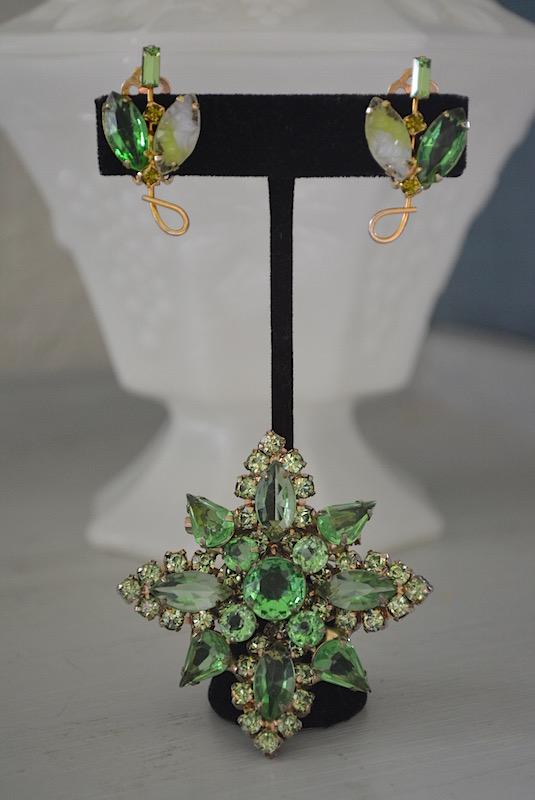 Green Sapphire Brooch Set, Green Diamond Brooch Set, Peridot Brooch Set, Emerald Brooch Set, Green Brooch and Earrings, Brooch and Earrings, Vintage Green Jewelry